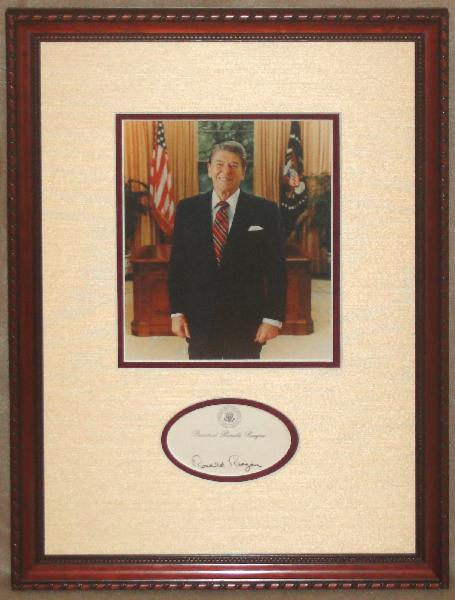 <font size=3>Ronald Reagan in The Oval Office Display Piece with Signed Post-It-Note</font>